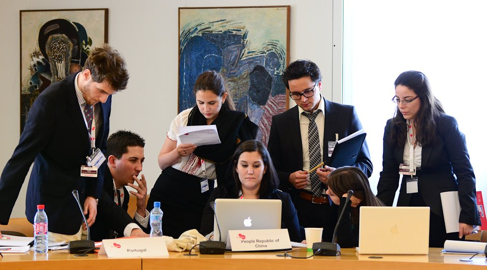 pace model un students explore complexities of